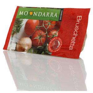 Сыр деликатесный Брушетас с высушенными помидорами ТМ Moondarra Cheese (Мундарра Чиз) с массовой долей жира в сухом веществе 51,1±2%