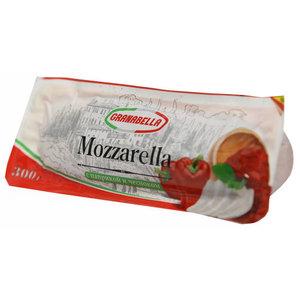 Сыр Русская моцарелла с паприкой и чесноком ТМ Granabella (Гранабелла) 40%