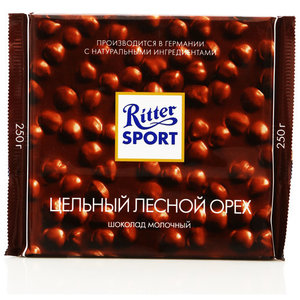 Шоколад молочный с цельным обжаренным лесным орехом ТМ Ritter Sport (Риттер спорт)