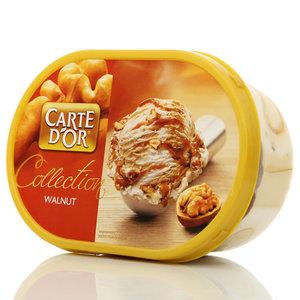Мороженое с растительным жиром со вкусами кленового сиропа и грецкого ореха, с кленовым сиропом и грецкими орехами в карамели Carte d'Or ТМ  Инмарко