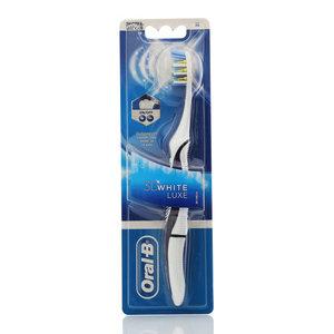 Зубная щетка Oral-B 3D White luxe Экстрамягкая ТМ Oral-B (Орал-Би)